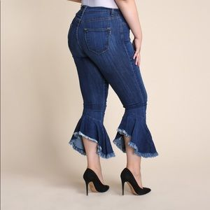 "Denim - ""Curvy Dame"""